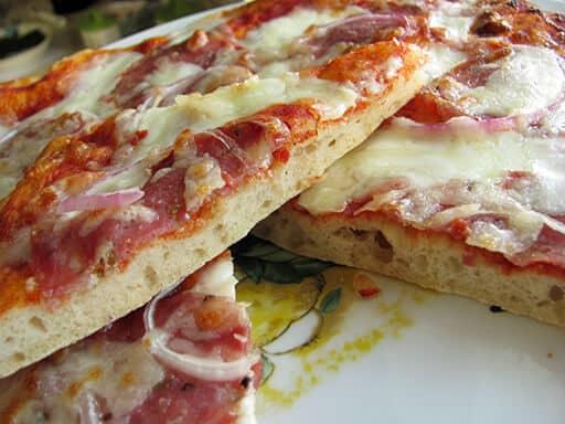 pizza gourmet stracchino e sbriciolona