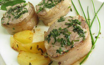 Filetto di maiale con lardo e erbe aromatiche