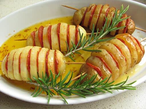 spiedini in forno salsiccia piccante