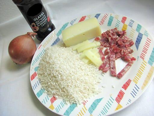 ingredienti risotto salamino formaggio